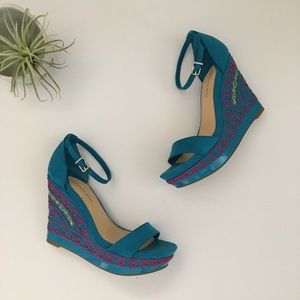 Gianni Bini Blue Suede Wedges.